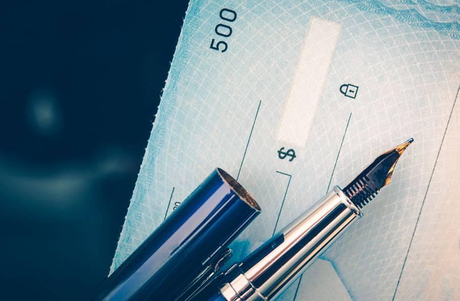 Cómo endosar un cheque en 3 simples pasos
